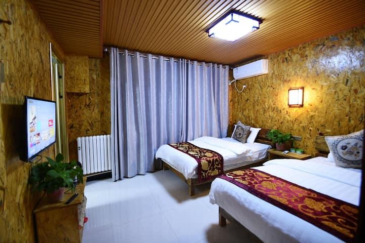 西安咸阳机场满福来客栈二十四小时免费接送机双床房