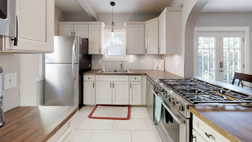 Location is ideal for your Kalamazoo visit to town