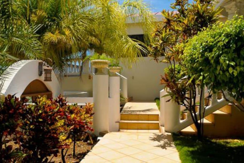 villa elegante overlooking the ocean villas for rent in