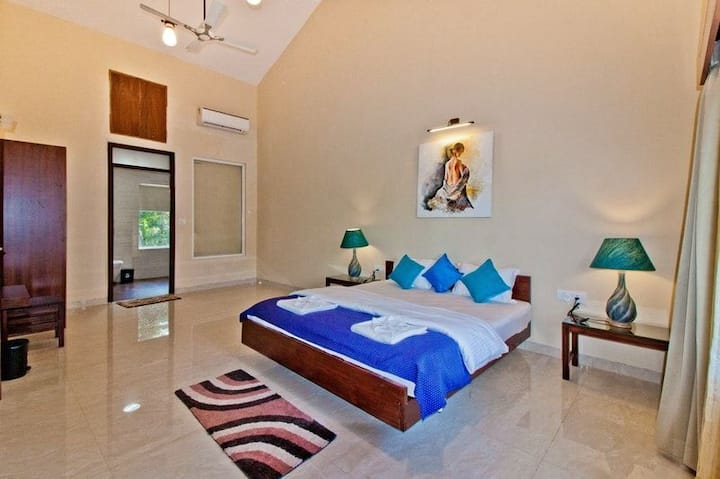 5 bed independent villa with pvt. pool, Calangute