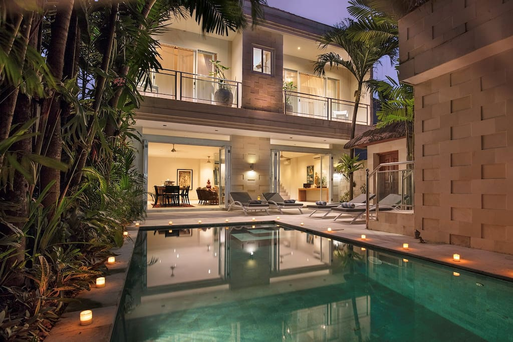 Villa Bebek by night - enjoy the balmy nights outdoors