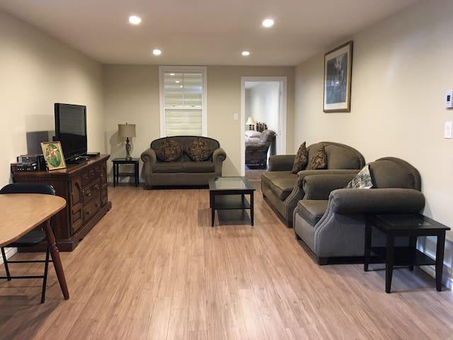 Group Suite (Basement floor)