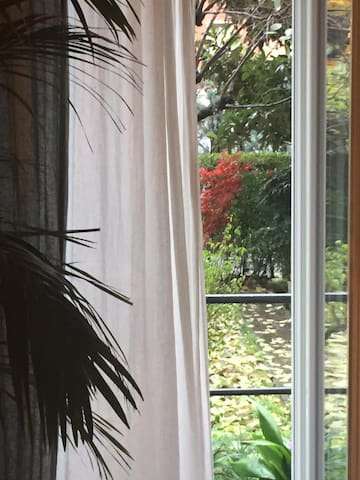 Private room with garden in Milan