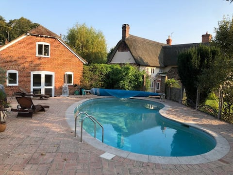 One bed Lodge in AONB Dorset with shared pool area