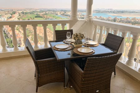 1 BR like hotel suite & beautiful Golf/Lagoon view