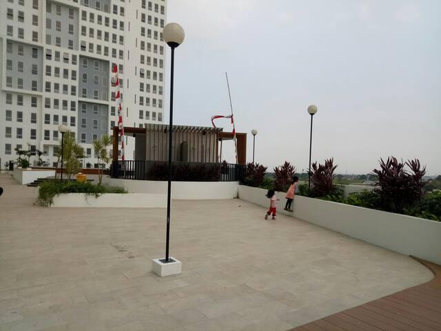 Apartment Patra Land Urbano Near Train Station