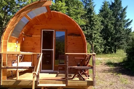 Glamping Lodge, in nature with mountain view! - Nébias - Blockhütte