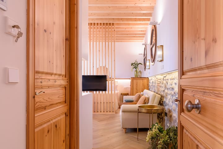 Cozy design appartment with Alhambra view terrace