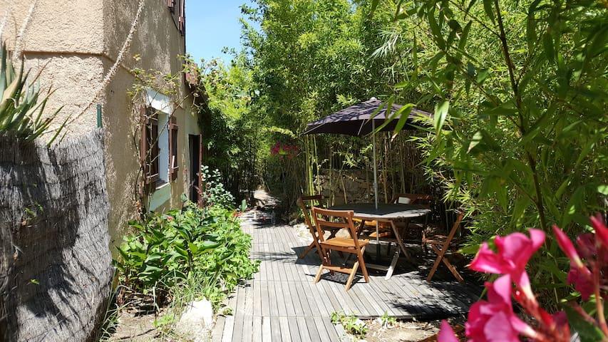 Appart 40m² grand jardin bio 200m plage de Calvi