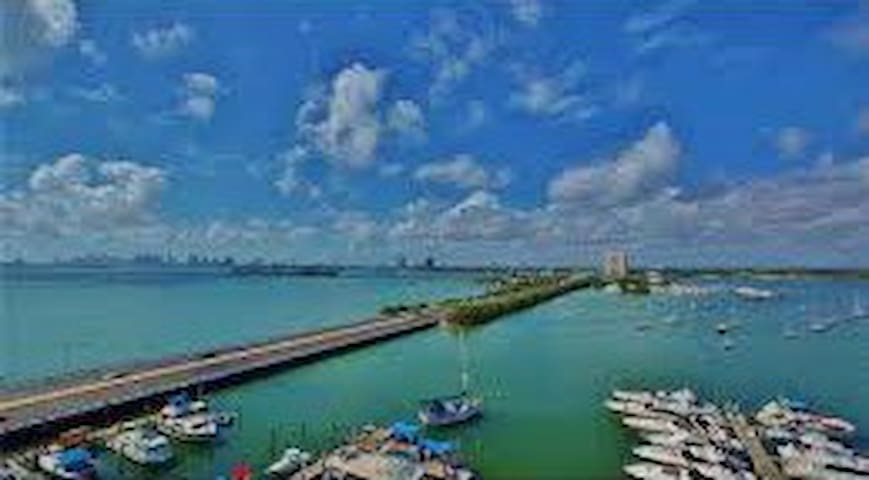 MIAMI BEACH ENTIRE STUDIO BREATHTAKING - North Bay Village - Apartamento