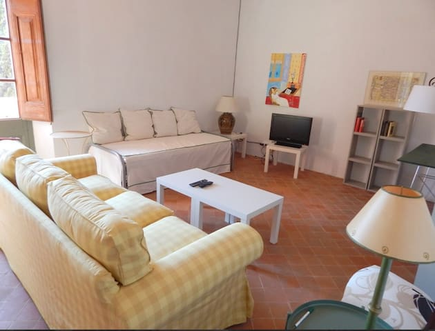 Cozy apartment in Begur