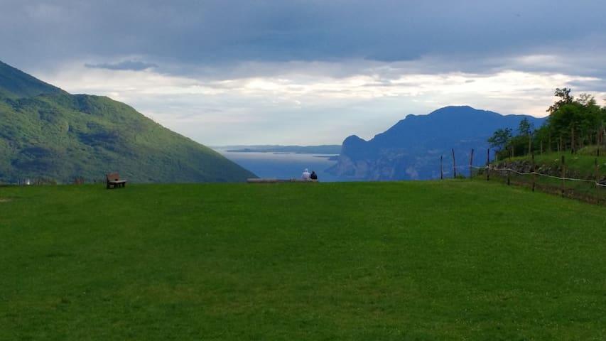 Amazing view on Lake Garda - Nago–Torbole - Szoba reggelivel