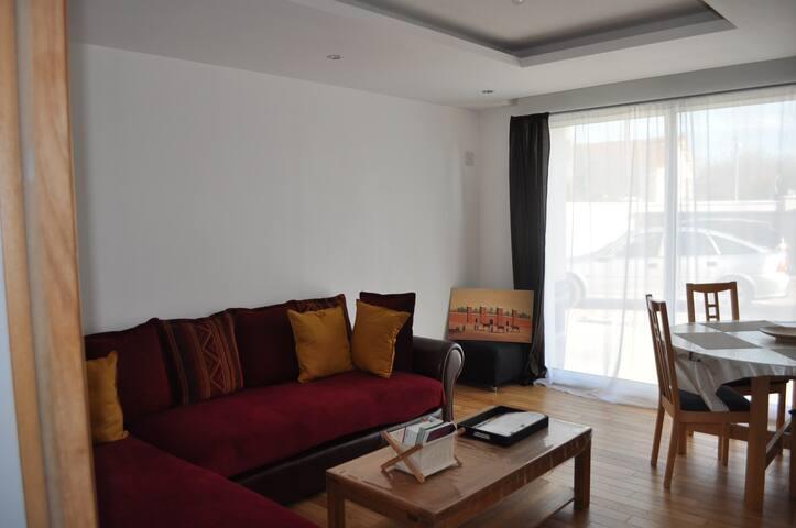 Appartement Chaleureux/ idéal Famille, Amis ou Pro