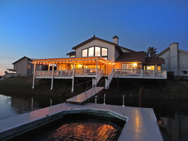 Premier Deep Waterfront w/Dock !!!!