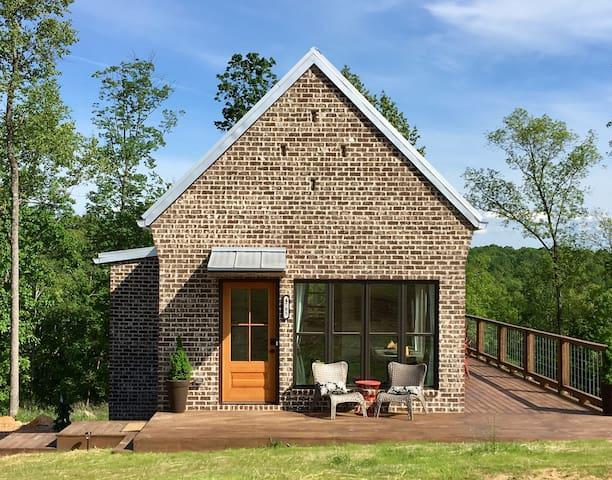 New Modern Luxury Mountain Cottage