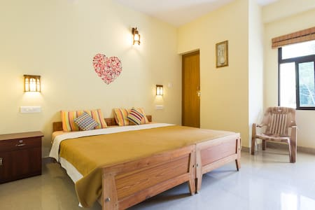 Private Double deluxe room at Thekkady Homestay - Kumily