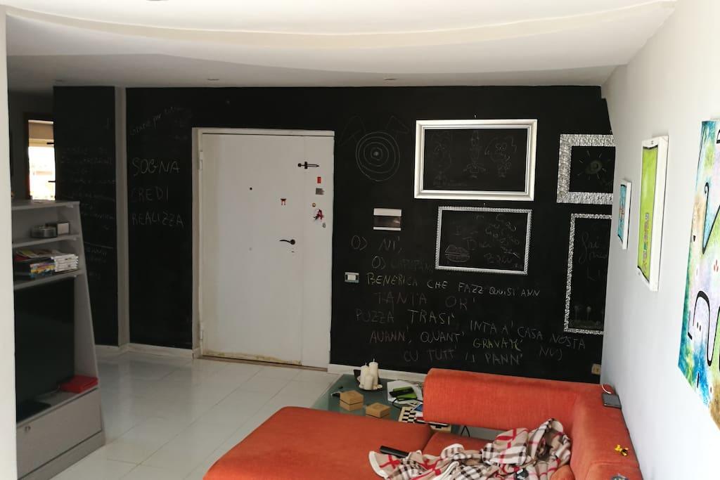 Living room (side B)