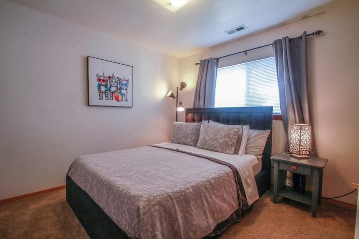 Best location in Downtown for a cozy bedroom.
