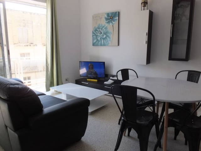 Short or long lets (double room), Birzebbugia