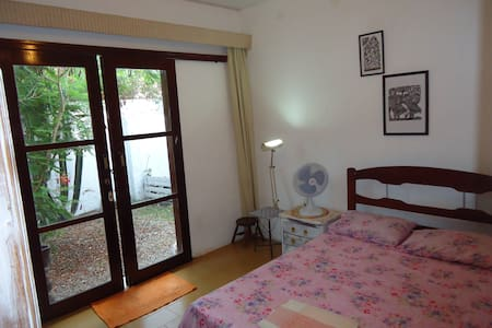 Double roon in a cozy house in Garça Torta - Maceió
