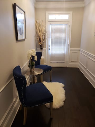 Covington Room for Discreet Guests