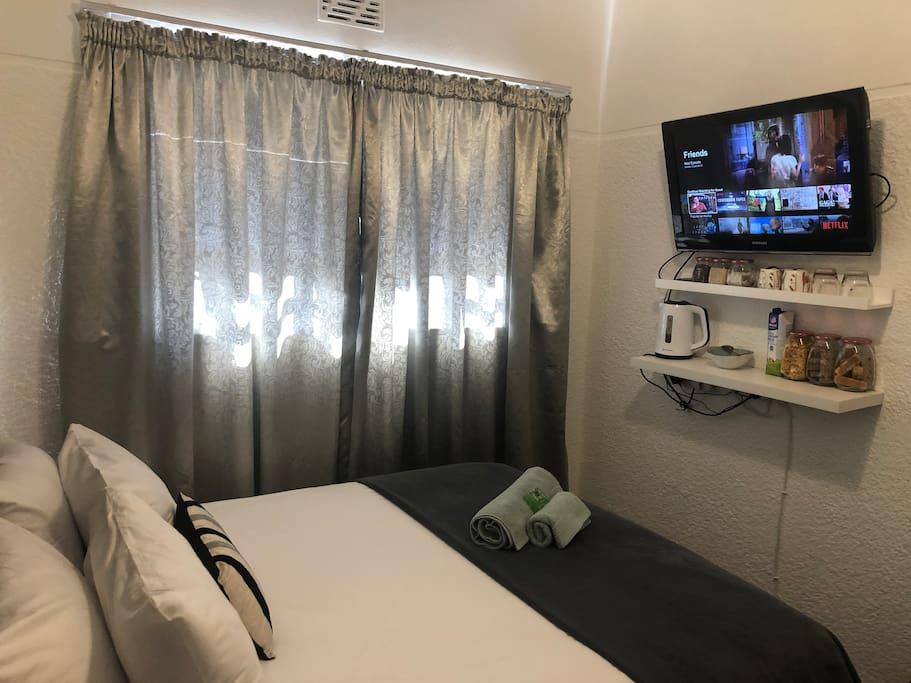 Guest Room + Netflix TV