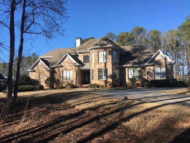 Chique vintage home by the lake. - Loganville  - 獨棟