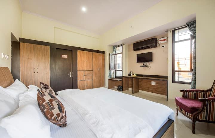 Clean & Comfortable Room - Villa Stay in Jaipur
