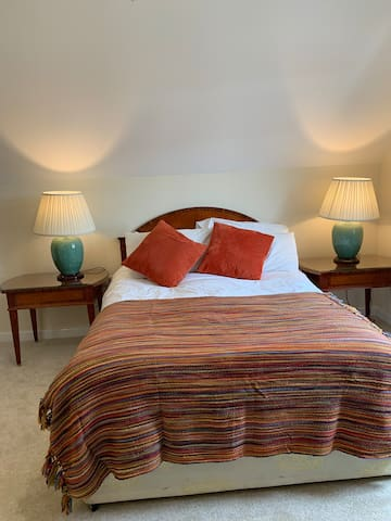 Newly renovated Ensuite Holbourne Room