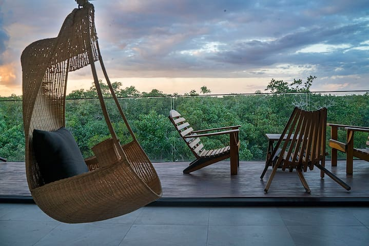 The only apt w/spectacular view of the Mayan ruins