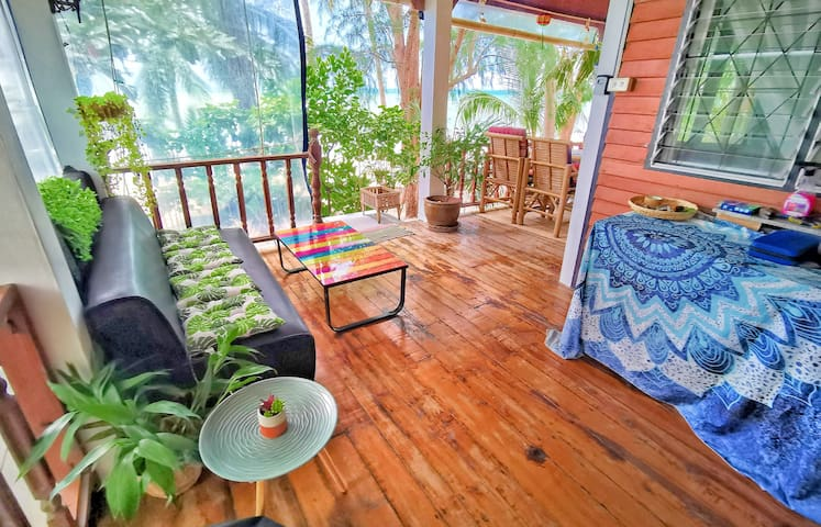 BEACH BUNGALOW : OUR LITTLE KOH SAMUI PARADISE