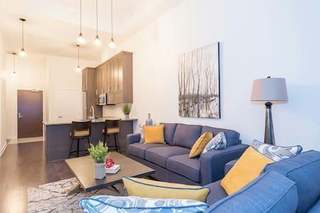 Modern 1bed plus den! - Ottawa - Lägenhet
