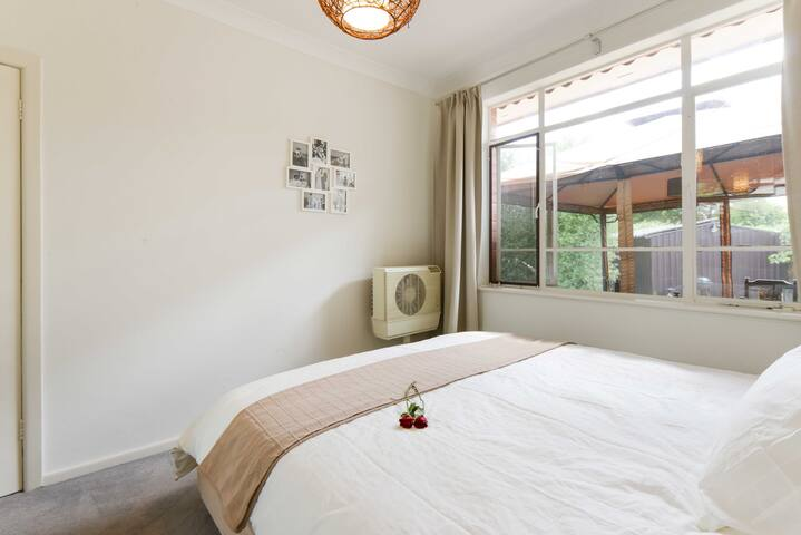 Delightful, Cozy & Modern 2 Bedroom House - Bellfield - Casa