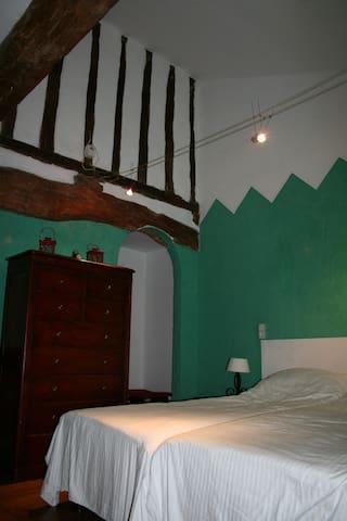 Chambre Verte at Domaine à Marmande-near Marciac - Berdoues - Bed & Breakfast