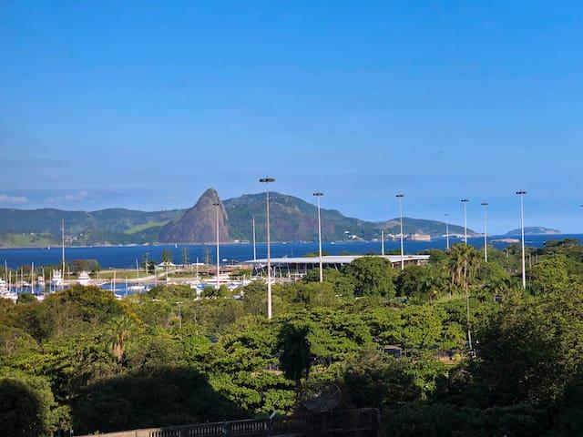 Vista dos quartos - Praia do Flamengo // View from the rooms - Flamengo Beach