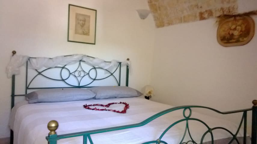 LOVELY SUITE TRULLO in Monopoli Countryside