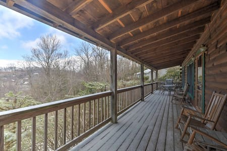 2BR Boone Cabin on Spacious Lot w/ Large Deck! - Boone - Cabaña