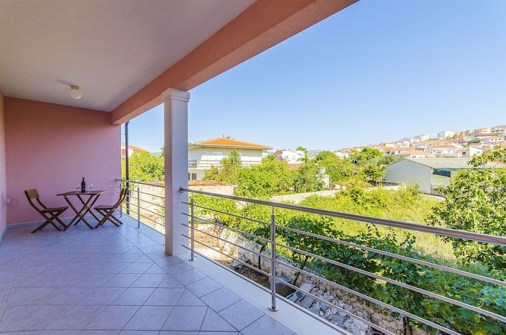 One bedroom Apartment, beachfront in Rogoznica, Balcony