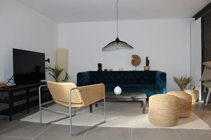 TAURO - 4 bedroom house with roof top terrace