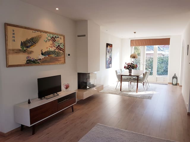 Apartment with garden next to Amsterdam Forest