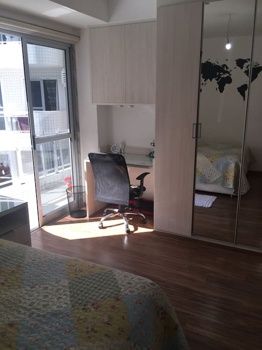 """Suite bedroom with hot water. Air conditioner, """"42 LED tv, cable tv. Balcony access"""