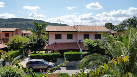 Porto Ada Pizzo花园别墅