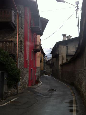 MU, l'antica casa al ponte romano 2 - Aosta - Bed & Breakfast