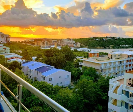 Lowlands Condo-NearPrincessJulianaAirport-Beaches