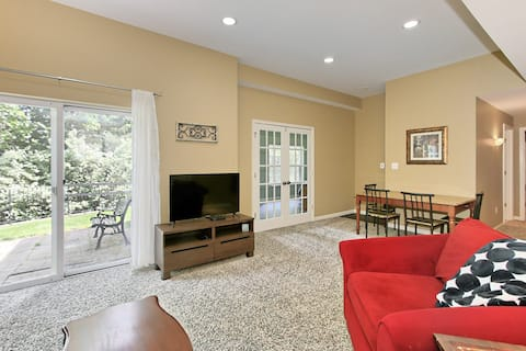 Lovely Basement Apartment with Private Entrance