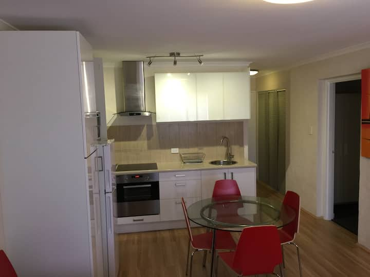 Dolphin 2 Bedroom Unit in the heart of Mandurah