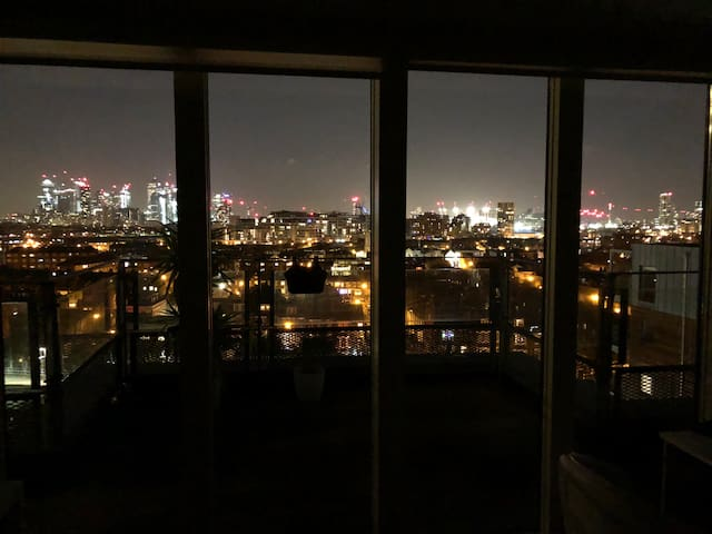 Penthouse private room in Greenwich The O2