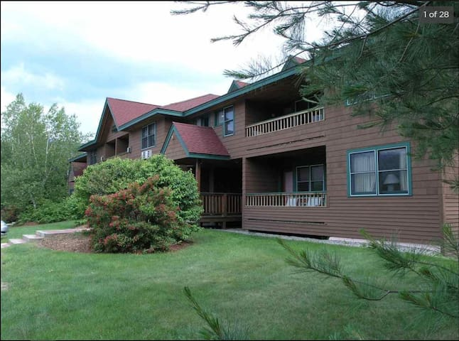 White Mtn. Condo - Perfect for Skiers/Mtn Lovers!