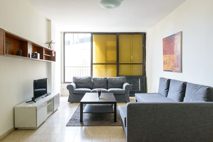 best location in town 3 rooms apartment