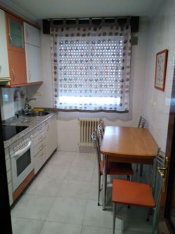 A valenza ourense apartamentos en alquiler en barbad s for Piscinas portatiles carrefour